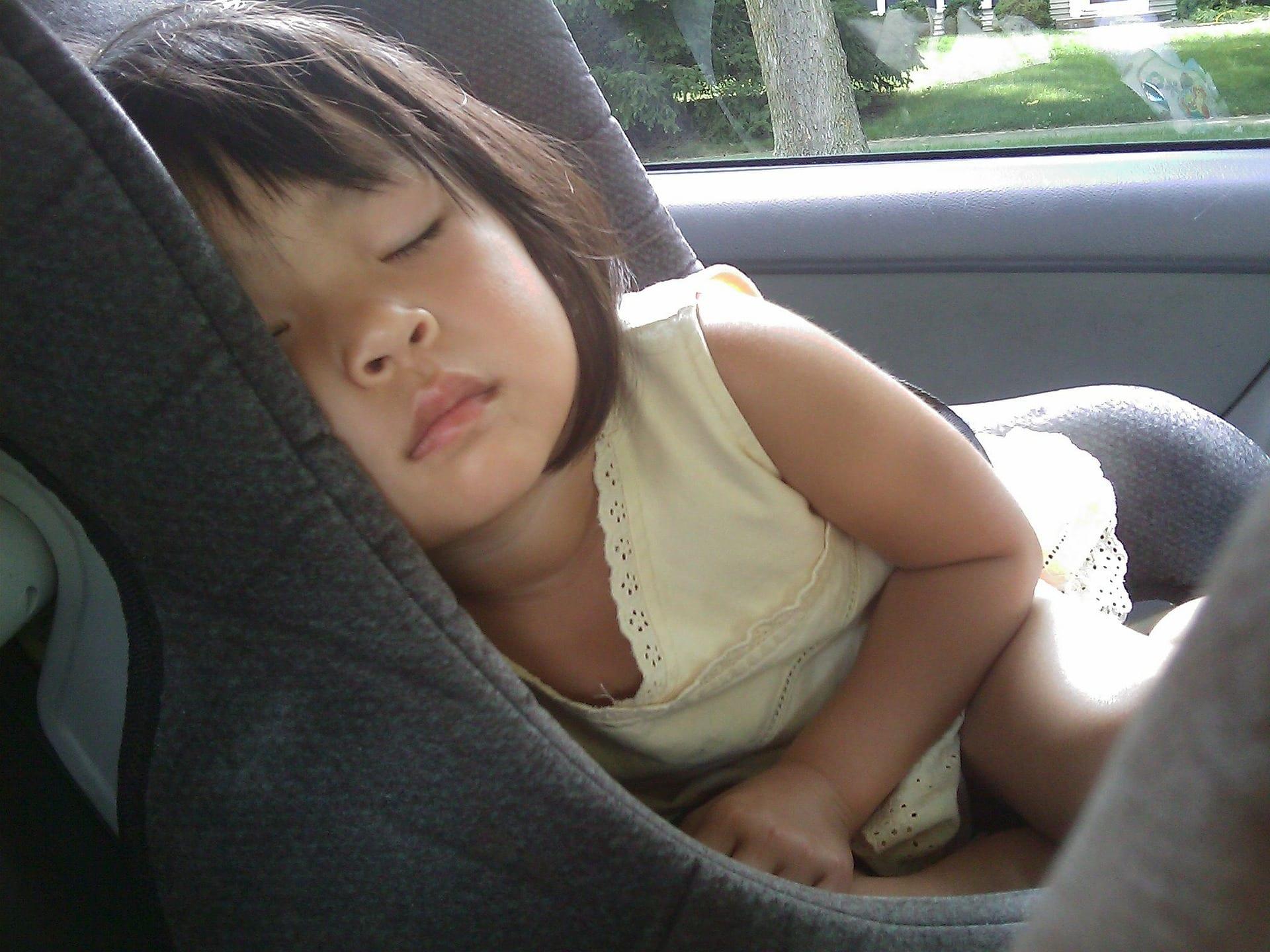 Sécurité de l'enfant dans les transports : Comment détourner la logique de l'accident sans se prendre la tête